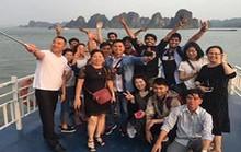 Nhiều người Việt dùng tiền nhàn rỗi để sắm quần áo và du lịch