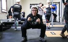 Tự tập squat để ngừa chấn thương hông được không?