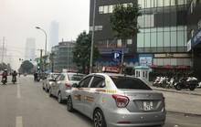 Tuýt còi quy định cấm dịch vụ đi xe chung