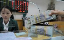 Ngân hàng tăng lãi suất, tặng quà để hút tiền gửi