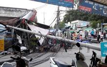 Trụ điện gãy kéo đứt đường dây, hàng chục người chạy thục mạng