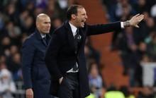 HLV Allegri ám chỉ chính trọng tài đã loại Juventus