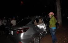 Xe con lấn làn tông xe máy, 3 người trong gia đình thương vong