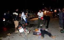 Xe máy đấu đầu kinh hoàng, 2 người chết, 3 thanh niên nguy kịch