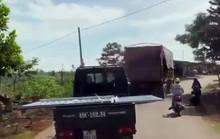 Phạt tài xế chở lưỡi hái tử thần làm xiếc trên đường