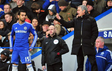 Bị tố không biết xài Salah, Mourinho phản pháo