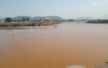 Đà Nẵng: Hơn 8km sông Cu Đê chuyển màu đỏ gạch, người dân lo lắng