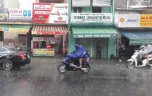 TP HCM xuất hiện mưa chuyển mùa trong ngày lễ 30-4