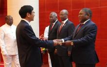 Cận cảnh Đại sứ Việt Nam trình Quốc thư lên Tổng thống Mozambique