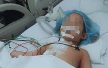 Cứu sống bé gái bị bút bi xuyên thủng ngực