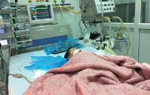 Bé trai 32 tháng tuổi tử vong khi đang truyền nước biển