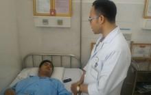 2 hiệp sĩ dù trọng thương vẫn tự chở nhau đến bệnh viện