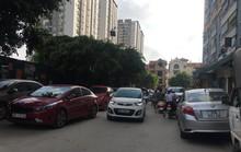 Giải tỏa bãi đỗ xe trái phép, người dân lo lắng