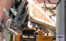 Căn nhà nhiều tầng ở Sài Gòn đổ sập đè chết người