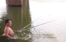 Đổ xô câu cá ngoại lai ở hồ Trị An