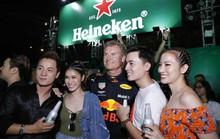 Mãn nhãn với màn trình diễn xe đua F1 của David Coulthard