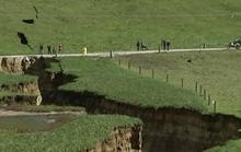 Hố địa ngục bất ngờ xuất hiện ở New Zealand