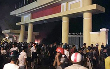 Tạm giữ hàng chục người quá khích đập phá tài sản công ở Bình Thuận