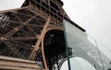 Tháp Eiffel mặc giáp chống đạn