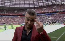 """Fox News xin lỗi vụ ca sĩ Anh giơ """"ngón tay thối"""" tại lễ khai mạc World Cup"""