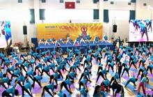Gần 1.000 người đồng diễn Yoga tại TP HCM