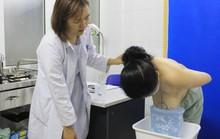 Gọt bớt ngực cho người phụ nữ suýt gù lưng vì vòng 1 khủng