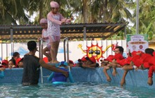 5.000 học sinh tiểu học vùng nông thôn sẽ được phổ cập bơi