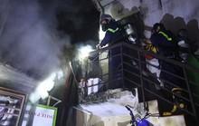 Cháy nhà lúc sáng sớm, cả khu dân cư náo loạn