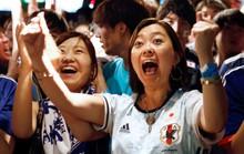 Nhật vào vòng 1/8 nhờ chơi... sạch, CĐV xuống đường ăn mừng