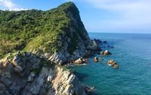 Tận hưởng biển xanh, cát trắng ngày hè trên đảo Quan Lạn
