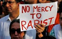 Hãi hùng tài xế taxi Ấn chở du khách nước ngoài vào rừng cưỡng hiếp