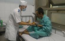 Bị con chối bỏ, cha đau đớn trong bệnh viện