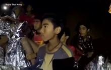 Giải cứu đội bóng mắc kẹt: Các cậu bé uống thuốc an thần khi lặn ra