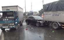 TP HCM: Xe tải lao vào dòng xe dừng đèn đỏ trên Quốc lộ 1