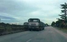 Thanh Hóa: Ớn lạnh nhìn xe đầu kéo chạy ngược chiều trên Quốc lộ 1A