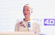 Người máy được cấp quyền công dân Sophia thướt tha áo dài trò chuyện với người Việt