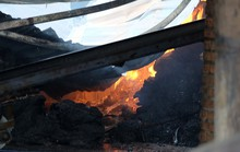 Cháy lớn tại Đồng Nai, khóc với 2 nhà xưởng rộng lớn đổ nát