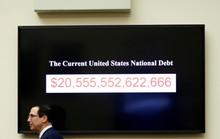 Quả bom nợ của thế giới