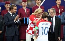 Nữ tổng thống Croatia đốn tim hàng triệu fan trên thế giới