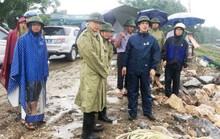 """""""Phớt"""" chỉ đạo của chủ tịch tỉnh, huyện vẫn tổ chức họp khi bão số 3 gần bờ"""