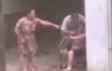 Gã con trai trời đánh, nhét cỏ vào miệng mẹ