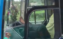 Sa thải tài xế lái xe bằng chân trên cao tốc Trung Lương – TP HCM
