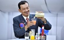 Choáng ngợp với quán bar có độ cao hơn cả đỉnh Everest trên máy bay Vietnam Airlines