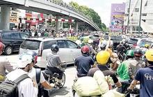 TP HCM: Nhận tiền gây rối, đập phá xe đặc chủng