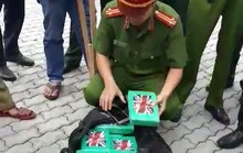 Khởi tố vụ 100 bánh cocaine trong container