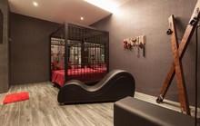 Yêu cầu tháo dỡ trang trí phòng nhà nghỉ ăn theo phim 50 sắc thái