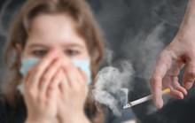 Nhỏ hút thuốc thụ động, lớn lên khổ vì viêm khớp!