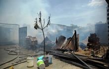 Cháy xưởng gỗ, xóm nghèo suýt bị thiêu rụi
