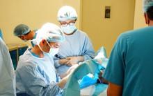 Cám cảnh bé 2 tháng tuổi đã cắt bỏ đoạn ruột, mắc nhiều bệnh bẩm sinh