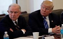 Bộ trưởng Tư pháp Mỹ bất ngờ khẩu chiến với ông Trump